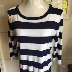 Gap Navy and White Super Soft Tee Large